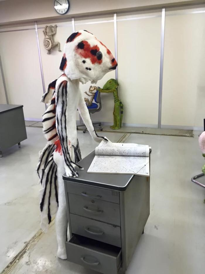 """Encontramos a este """"funcionario"""" de esponja revisando los últimos informes"""